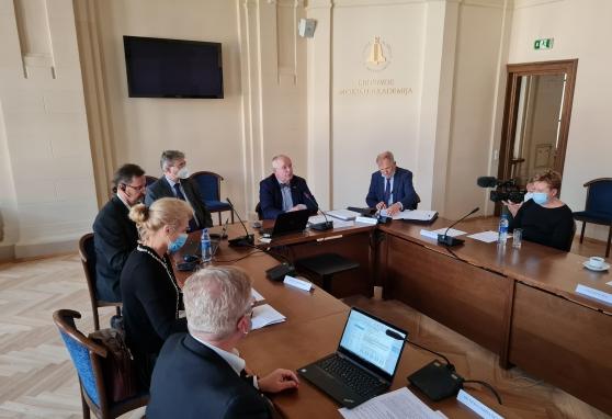 """Europarlamentaras Juozas Olekas tęsia diskusiją dėl """"Europa įveikia vėžį"""" plano: būtina sukurti tarpžinybinę darbo grupę"""