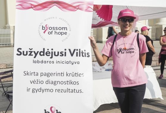 """""""Vilniaus maratone"""" NVI onkologai pasakojo apie vėžio prevenciją"""