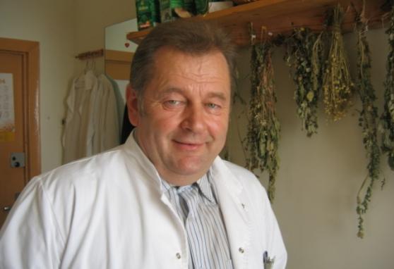 Juozui  Ruoliai – 70! NVI onkologų bendruomenė nuoširdžiai sveikina Jubiliejaus proga!