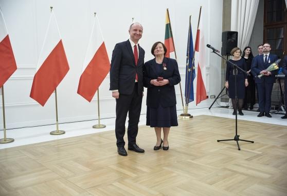 Gydytoja Kristina Rotkevič apdovanota Auksiniu Kryžiumi