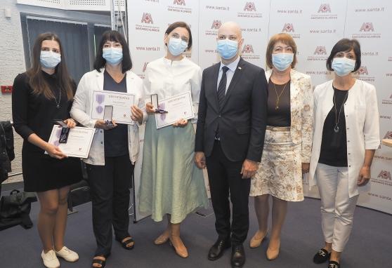 Penkioms NVI darbuotojoms – Aurelijaus Verygos įvertinimas už darbą pandemijos metu